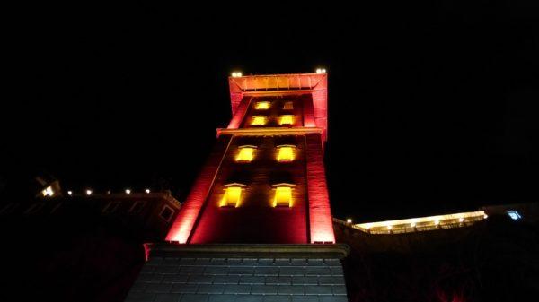 Известный лифт Асансер в Измире