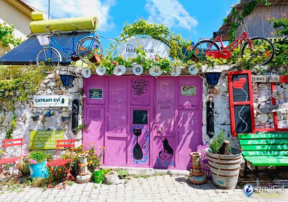 Дом хоббита (Hobbit House) в деревне Барбарос, Измир