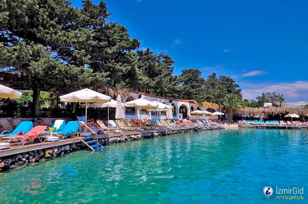 Пляжный клуб Paparazzi Beach Club в Чешме