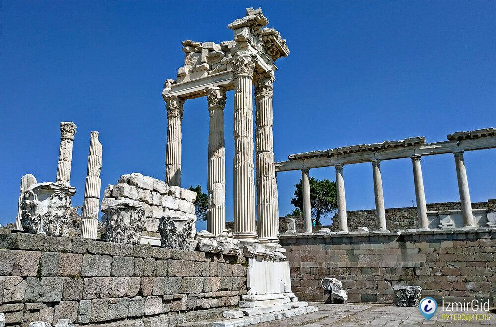 Руины древнего города Пергам, Бергама, Турция