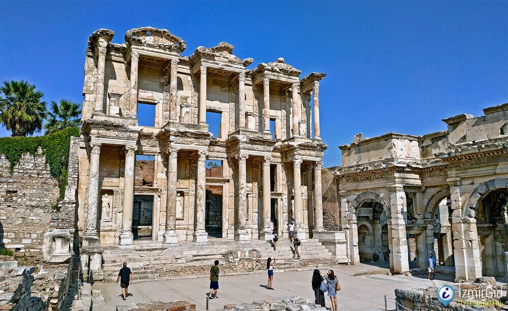 Древний город Эфес, библиотека Цельса