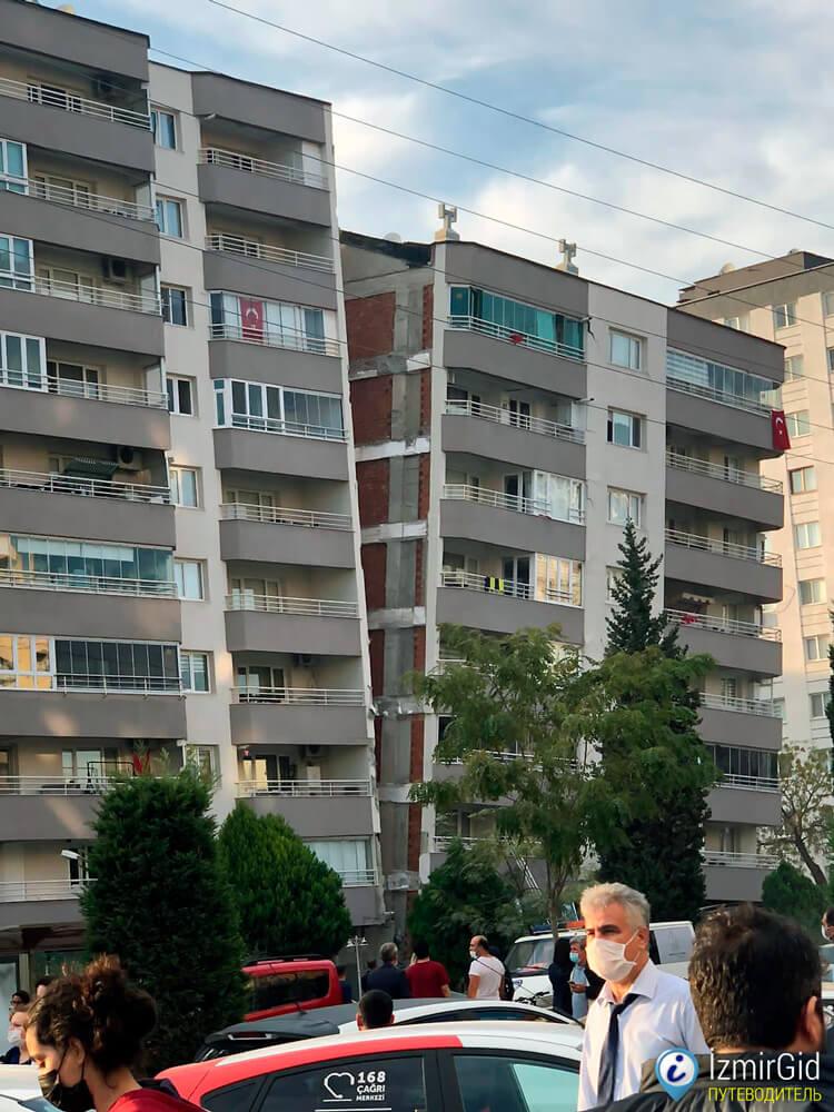 Разрушения от землетрясения в Измире, 30 октября 2020