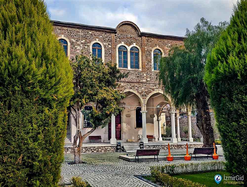 Церковь святого Вукола, Басмане, Измир