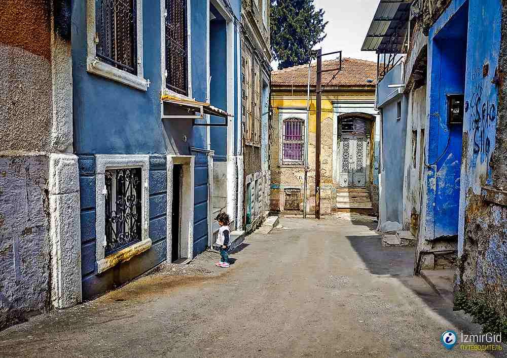 Басмане - район иммигрантов в Измире